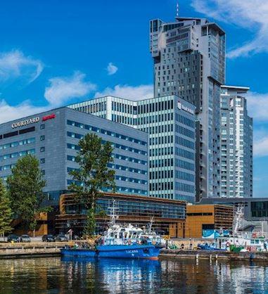 Ekskluzywne pokoje, sala bankietowa, weselna, centrum konferencyjne i bar z kominkiem - Hotel Courtryard by Marriot Gdynia